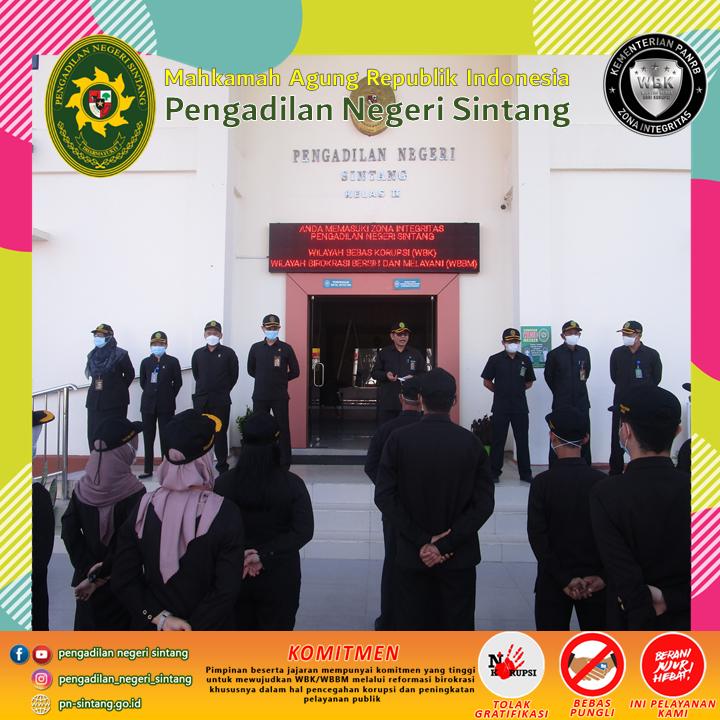 Pengadilan Negeri Sintang melaksanakan Apel Pagi Senin, 26 Juli 2021